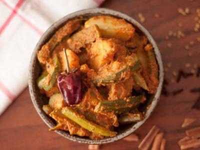 Aloo Potol Posto Recipe (Aloo Parwal in Poppy Seed Masala Recipe)