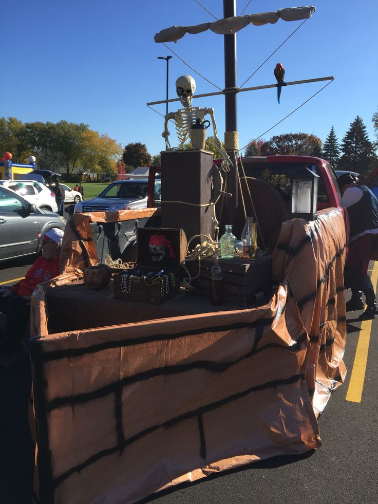 pirate ship trunk or treating car decoratinghalloween