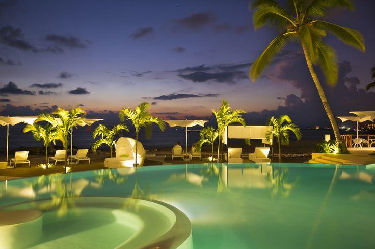 Hilton Puerto Vallarta Resort  Booking link: http://www3.hilton.com/en/hotels/jalisco/hilton-puerto-vallarta-resort-PVRPVHF/index.html?WT.mc_id=zCBWAAB0US1HH2OLS4Generic127BR841274