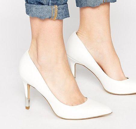 Sposób na bolące stopy w szpilkach, porady, szpilki, buty na obcasie, szpilki na wiosnę, białe szpilki