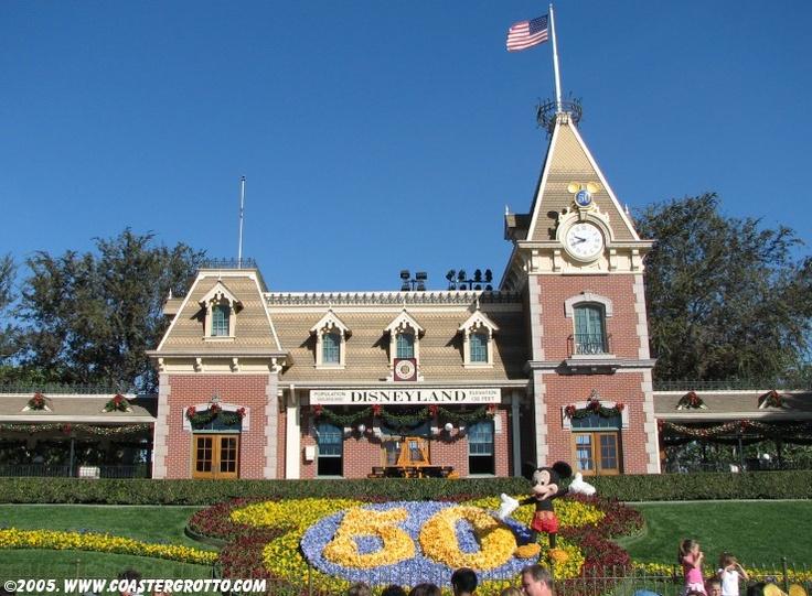 Disneyland: Train Station, Photo