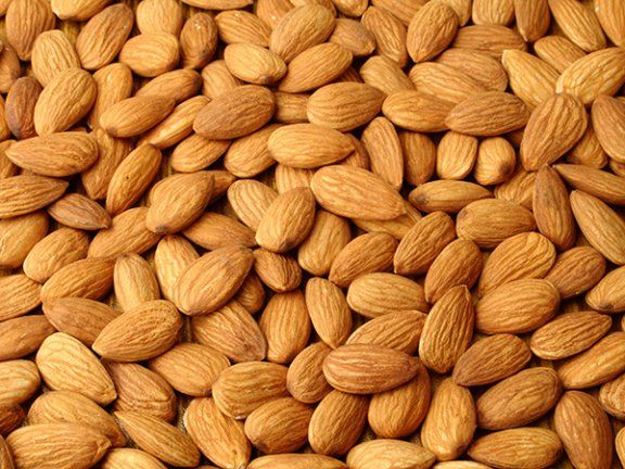 Meine Bücherwelt: Die 10 beliebtesten Nüsse im Check 6. Mandeln Gut zu wissen: Für Menschen, die auf Salicylsäure überempfindlich reagieren, sind Mandeln unverträglich. Sie enthalten von diesem natürlichen Konservierungsstoff mehr als alle anderen Nusssorten.