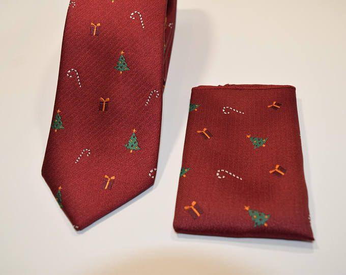 Set Corbata y pañuelo rojo oscuro con dibujos de arbol de Navidad, corbatas para hombre, regalo fiestas de navidad, regalos de San Nicolás