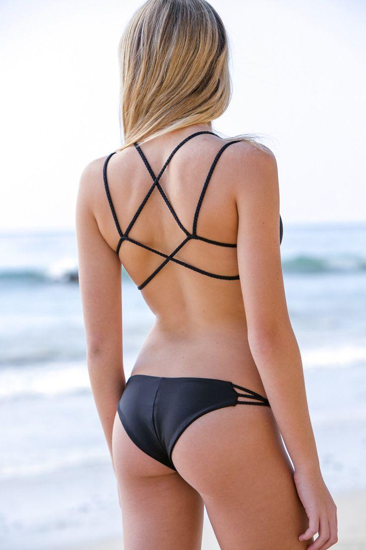 white-girls-bikini-bottoms