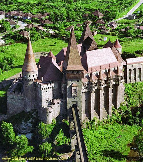 Corvin Castle, also known as Corvins' Castle, Hunyad Castle or Hunedoara Castle [Castelul Huniazilor or Castelul Corvinilor (Romanian)] [Vajdahunyad vára (Hungarian)] Hunedoara, Transylvania, Romania... http://www.castlesandmanorhouses.com/photos.htm .... Corvin Castle was built mainly in Gothic style, but has Renaissance architectural elements. It features tall strong defence towers, an interior yard and a drawbridge.