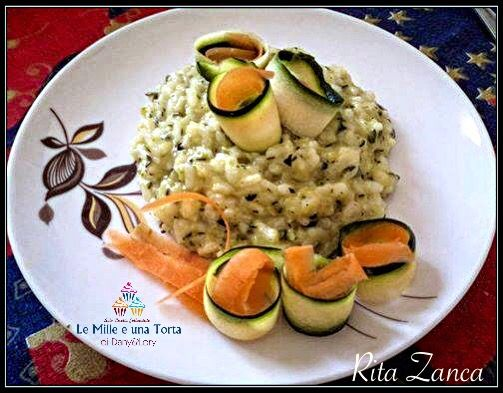 RISO ALLE ZUCCHINE CON IL BIMBY RICETTA DI: RITA ZANCA Ingredienti: 150 g di riso 200 g di zucchine 1 cipolla piccola 15 ml di olio evo 20 ml di
