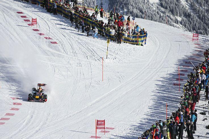 GALERIE: Tomu neuvěříte: Formule 1 se nebojí sněhu, řádí na sjezdovce v Alpách (videa) | FOTO 12 | auto.cz