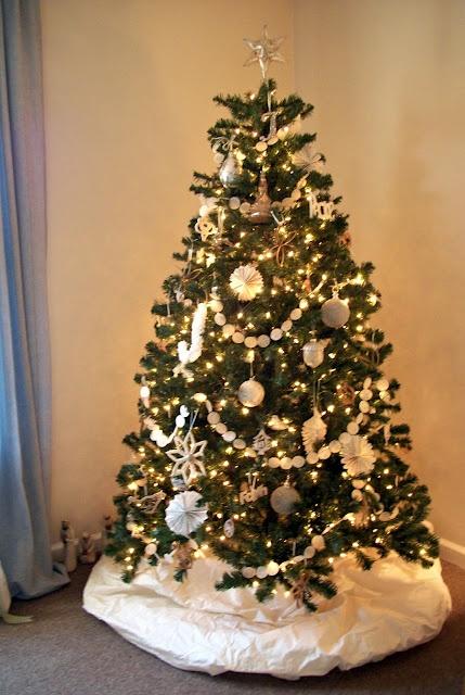 Christmas tree 2011 wax paper garland and wedding dress tree skirt