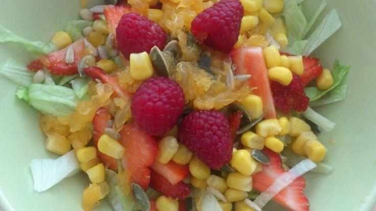 Een heerlijke salade gezoet met manderijnsap