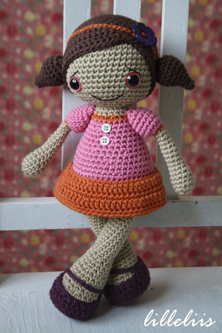 Amigurumi Doll How To : Pattern sofia doll crochet amigurumi toy via