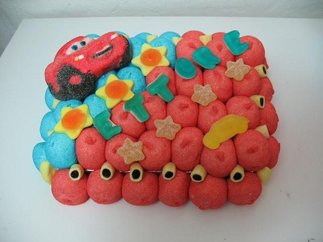 torta di caramelle  #candy #caramelle #cars #marshmallow  http://www.lemilleeunamella.it/