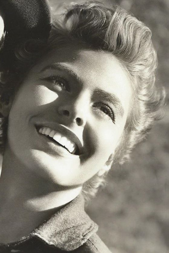 Ingrid Bergman. What a beautiful lady. I loved her work.
