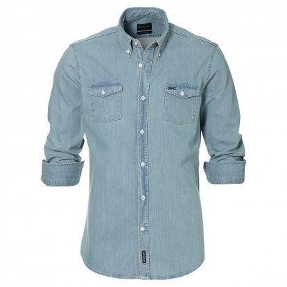 Belle chemise en denim solide de la collection McGregor Sportswear. Le look vintage, les poches poitrine en les coudières donnent à cette chemise un look robuste. #Homme; #Mcgregor; #Jeans; #Chemise; #Leguide