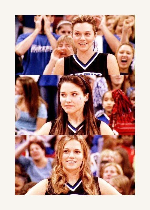 Hilarie Burton (Peyton Sawyer-Scott) , Sophia Bush (Brooke Davis-Baker) , & Bethany Joy Lenz (Haley James-Scott) - One Tree Hill