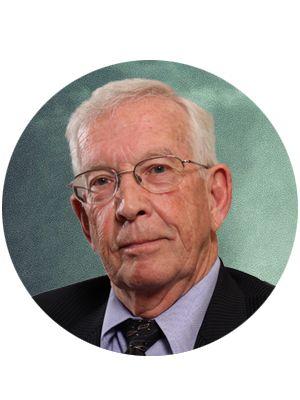 El Dr. Thomas Burke recibió el grado de doctorado de la Universidad de Houston, luego de cuatro años de estancia de investigación postdoctoral como becario en la Facultad de Medicina de la Universidad de Duke, En la década de los 90, el Dr. Burke inició sus investigaciones acerca del óxido nítrico. Creó una empresa de investigación y  fue la primera en descubrir que la planta de NONI incrementaba   la producción de óxido nítrico en el cuerpo.