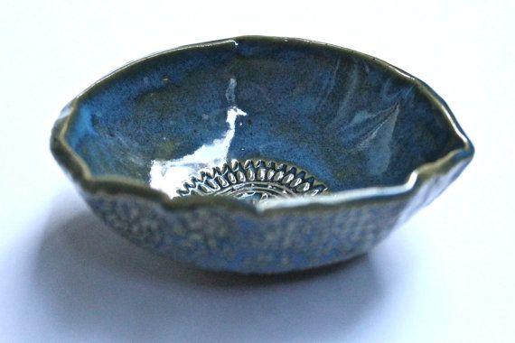 En Stock  poterie petit bol avec bol trèfle  par MalenkaDesign
