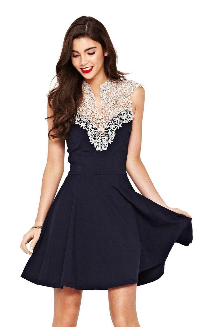 Sukienka AX PARIS 199 zł na http://www.halens.pl/moda-damska-sukienki-5818/sukienka-243056