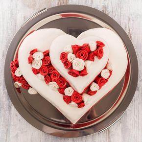 Hochzeitstorten in Herzform sind echte Eyecatcher - lasst euch von unseren Beispielen inspirieren... | Ideen & Anregungen | Tipps & Trends