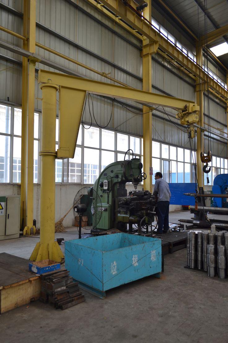 Yuantai 5 ton pillar jib crane 5ton pillar motorized jib crane http