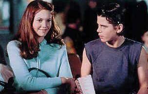 (deel 2) Dally was er zo geschrokken van dat hij de openluchfilm had verlaten. De meisjes bedankten hem en hij ging naast Marcia zitten , wat best verwonderlijk was omdat hij zo verlegen is. Maar ze hadden allemaal een fijne avond totdat de meisjes hun vriendjes kwamen , en zij waren wel stereotiepe Socs , terwijl de twee meisjes geen superioriteitsgevoel hadden en ook eerder begripvoller waren. Destijds had Sherri ook een relatie met Bob , die later vermoord wordt door Johnny.