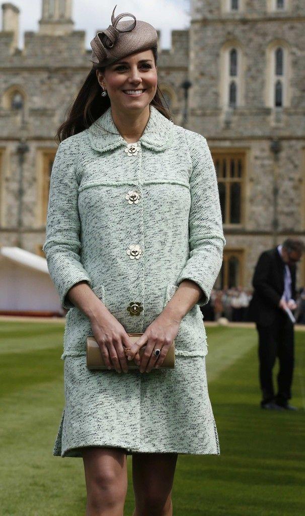 Kate Middleton Photo - Kate Middleton Visits Windsor Castle