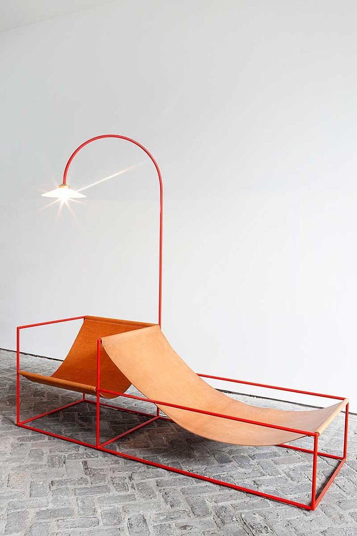 chairs and lamp by mullervanseveren via blogdeldiseno