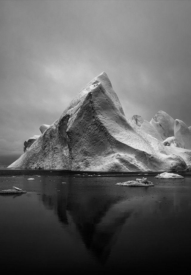 Ice on Black, by Jan Erik Waider #foto #fotografia #fotografo #gelo #iceberg #pb #photo #photography #photographer #ice #b&w #jan #erik #waider