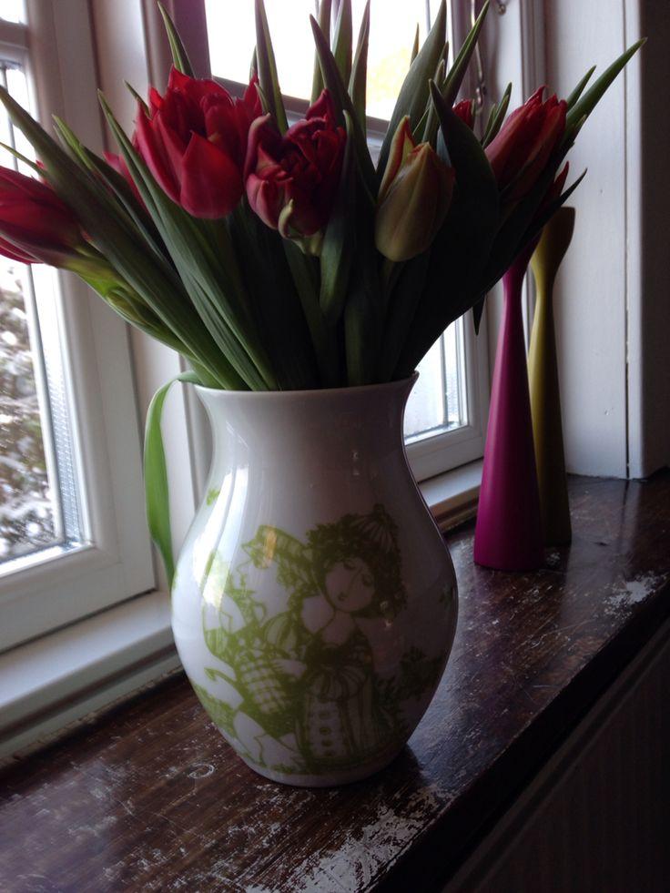 Smukke blomster i lækker vase