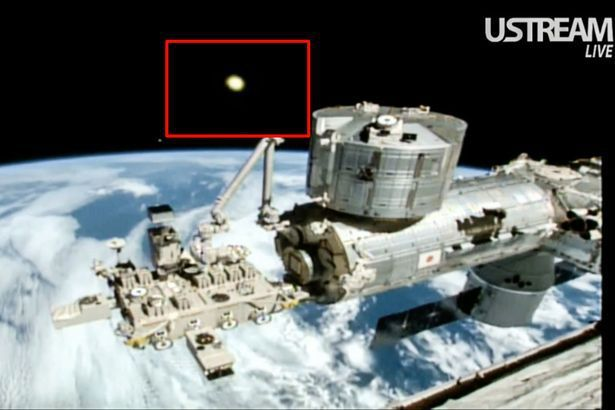 Mysterious Beam Of Light Emerging From The Earth Captured In Live Feed Of International Space Station - https://technnerd.com/mysterious-beam-of-light-emerging-from-the-earth-captured-in-live-feed-of-international-space-station/?utm_source=PN&utm_medium=Tech+Nerd+Pinterest&utm_campaign=Social