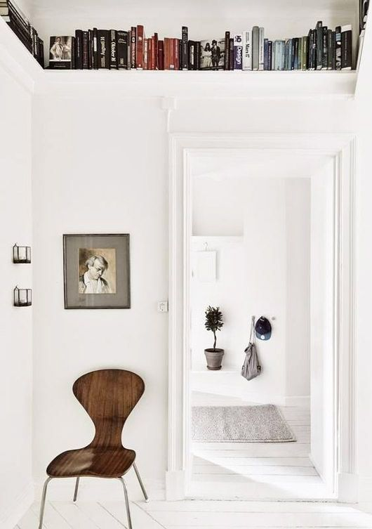 looking for a warmer look around the house right now? look no further than this earthy space featured recently on vtwonen. you can get this look in some pretty easy steps — add a mix of unmatched vint