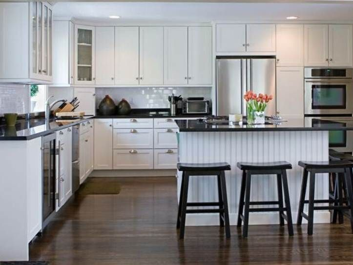 Kitchen Decorating Idea With White Cabinet