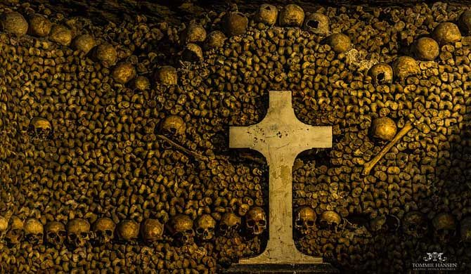 Paris Catacombs Tour (Skip the line)    Dig deep into history with a 2-hour underground Paris Catacombs tour. Learn why the bones of more than six million peopl... Get more information about the Paris Catacombs Tour (Skip the line) on Hostelman.com #event #France #culture #travel #destinations #tips #packing #ideas #budget #trips