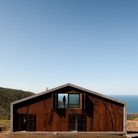 Prefab House in Cedeira - I love the simplicity of this roof-line.