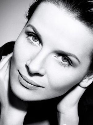 Juliette Binoche by Brigitte Lacombe