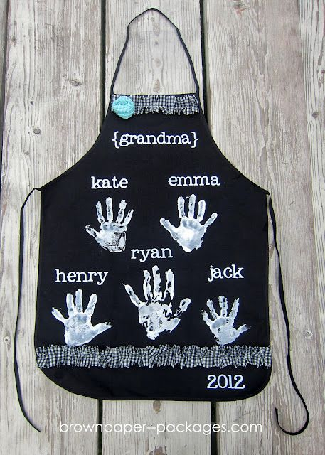 cute mother's day apron for grandma: Craft, Mothers, Gift Ideas, Handprint Apron, Diy Gift, Mother'S Day, Christmas Gift, Giftidea