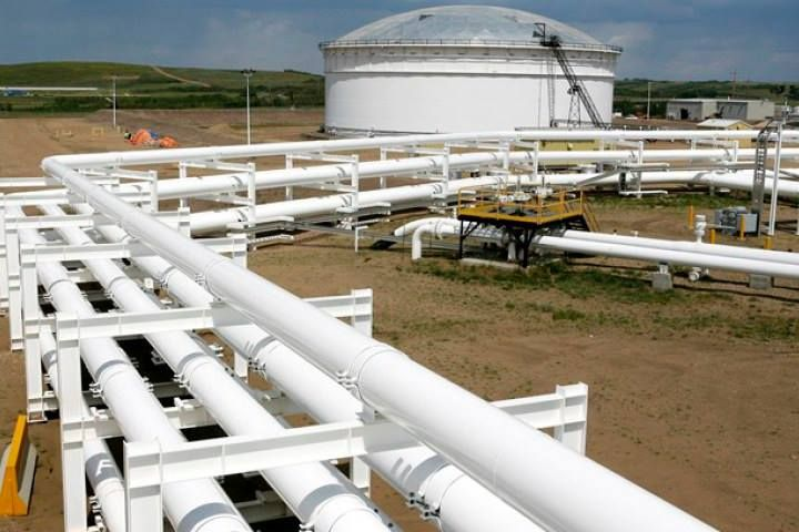 Gibson Energy to build 900,000 barrels of crude storage in Alberta. What is your opinion on this?  #YYC #YYCOil #Alberta #YYCBusiness  http://business.financialpost.com/news/energy/gibson-energy-to-build-900000-barrels-of-crude-storage-in-alberta?__lsa=6879-0649  (Photo Cred: Larry MacDougal / The Canadian Press)