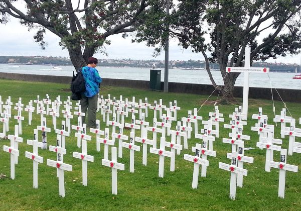 Devonport Field of Remembrance, North Shore, Auckland - www.linku2northshore.co.nz
