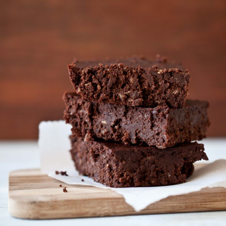 An intensely chocolaty, fudgy brownie that happens to be vegan.