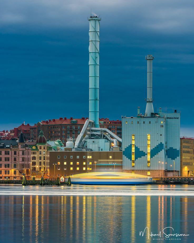 27 September 2016. Energiverket Gothenburg Sweden. #mikaelsvenssonphotography #göteborg #thisisgbg #gothenburg #sweden #bestofsweden #enjoysweden #ig_week_sweden #igersgothenburg #ig_week_scandinavia #visitgothenburg #visitsweden #mittgöteborg #goteborgcom #swedenimages #bestofscandinavia #mittgöteborg #hisingen #reflection #water_shots #ig_masterpiece #water_captures #ig_mood #igers_gothenburg #unlimitedscandinavia #göteborgenergi