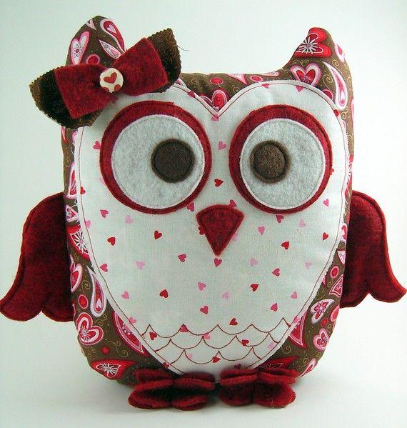 Modello di cuscino gufo innamorato... di SundayGirlDesigns su Etsy