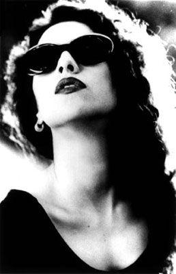 Marisa Monte, Brazilian popular singer, guitarist and cavaquinho player, who has sold 10 million albums worldwide www.marisamonte.com.br