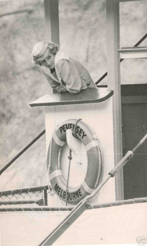 October 29, 1985: Prince Charles & Princess Diana open a fountain on the Seventh street lawns near the SE Asia Memorial & visit the local arts center in Mildura. In Echuca, they recomission an old Murray River paddle steamer. Then, climb aboard for a short ride. Day 3