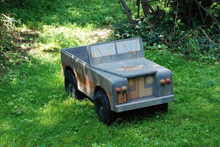 Découvrez l'univers Dalto, des voitures en bois et caisses à savon de qualité pour petits et grands