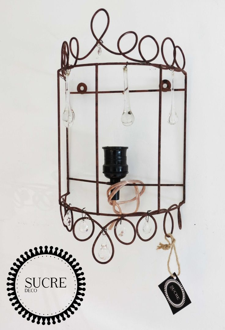 Aplique lampara de pared en hierro y con caireles. Decorá tus muros con luz!!