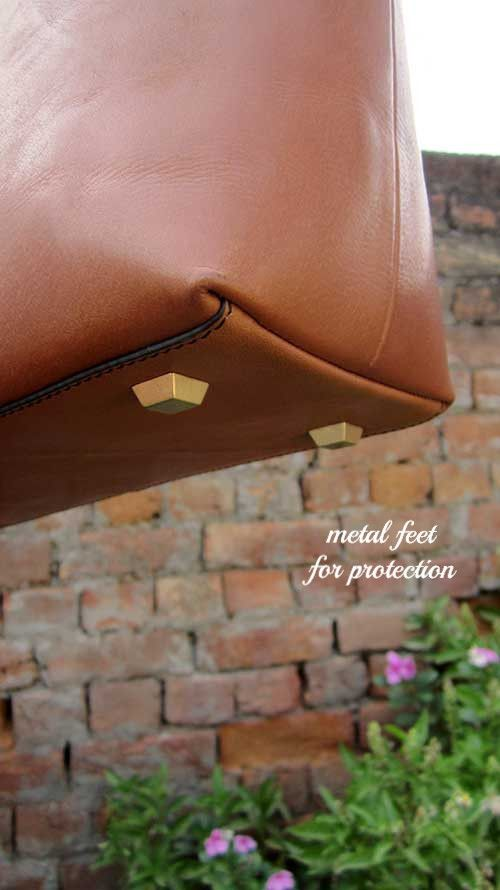 Pumpkin Anabelle, Chiaroscuro, India, Pure Leather, Handbag, Bag, Workshop Made, Leather, Bags, Handmade, Artisanal, Leather Work, Leather Workshop, Fashion, Women's Fashion, Women's Accessories, Accessories, Handcrafted, Made In India, Chiaroscuro Bags - 3
