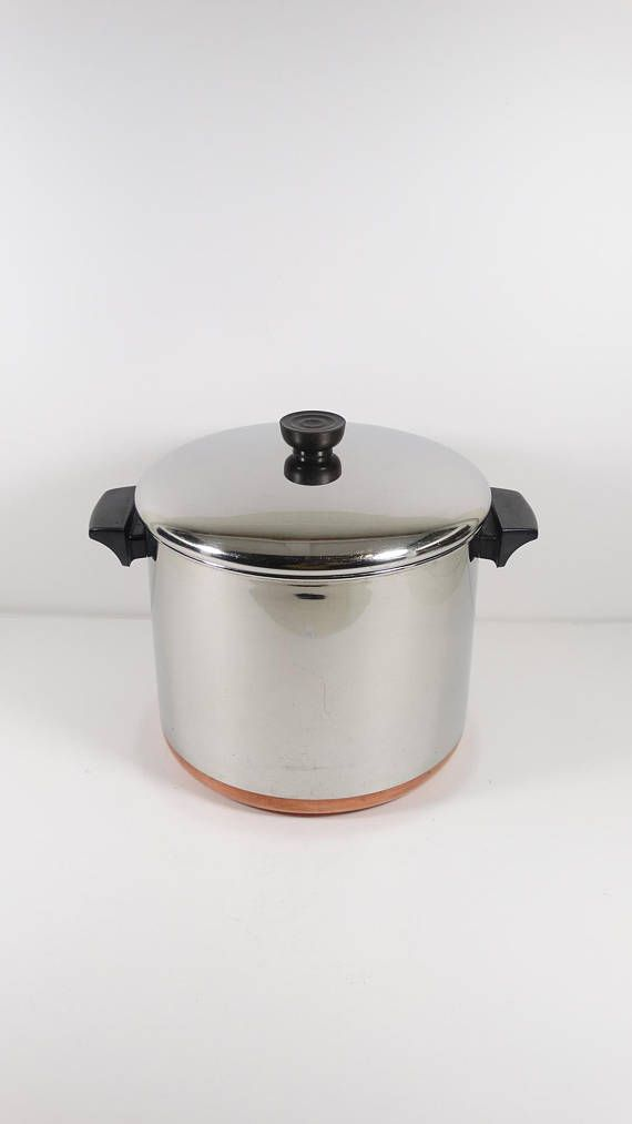 Very Nice Hard To Find And Eminently Useful Vintage Revereware 8 Quart Deep Stock Pot Marked With The 1801 Circle Revere Revere Ware Classic Kitchens Vintage