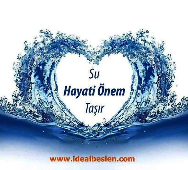 Besin tüketimi ile vücutta oluşan zararlı maddeleri atmak, vücut ısı dengesini sağlamak amacıyla günde ortalama 2-2.5 litre ( 8-10 su bardağı) su içilmelidir www.idealbeslen.com 0536 612 9009 Whatsapp #idealbeslen #kilokontrolyolu #su #hayat #günlük...
