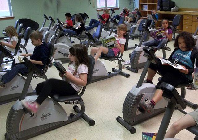 Vervang bureaus door fietsen in de klas