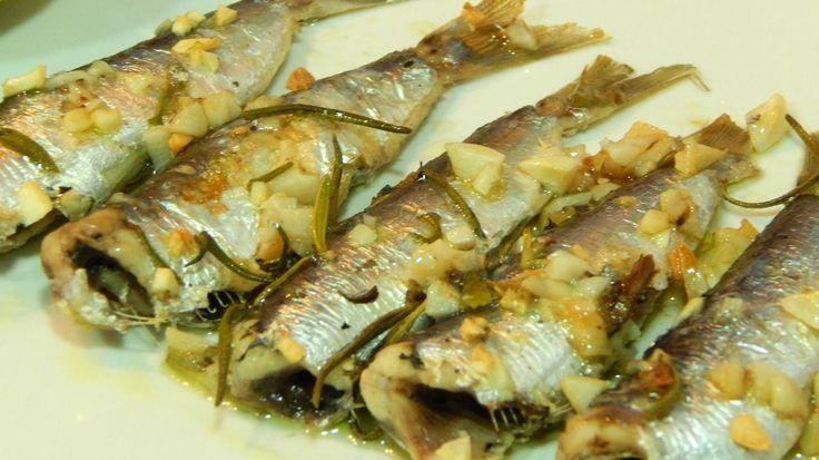 Cómo hacer sardinas al horno con ajo y romero