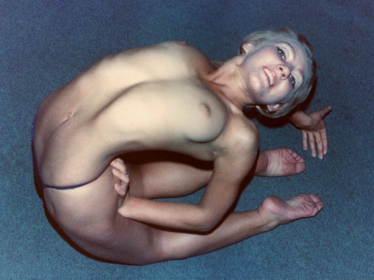 Nude Contortionist Pictures 42